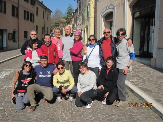 Gruppo della Compagnia dei Cammini con Enrico Brizzi