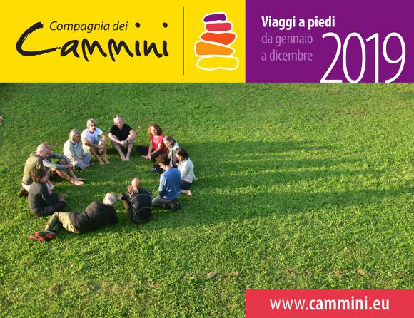 Copertina libretto Compagnia dei Cammini. Viaggi a piedi 2019.